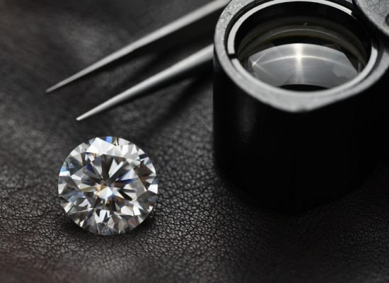 How Independent Gemmological Laboratory Grades Diamonds?